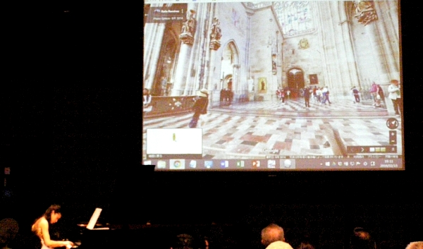 プラハ城で演奏.jpg