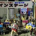 街の賑いに大活躍|昭和歌謡バンド「しんまち~ず」